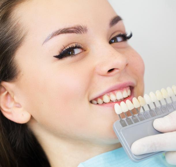 Отбеливание зубов. Стоматология Максима Шубных