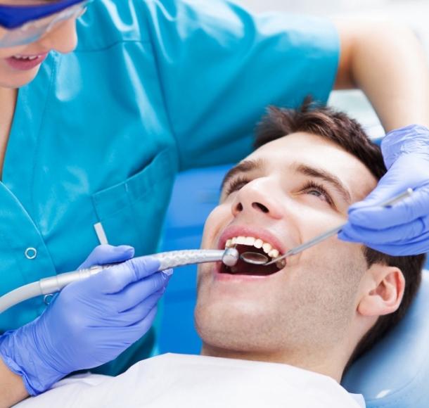 Лечение зубов. Стоматология Максима Шубных