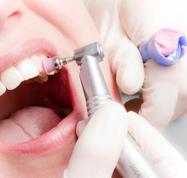 Ультразвуковая имплантация зубов . Стоматология Максима Шубных